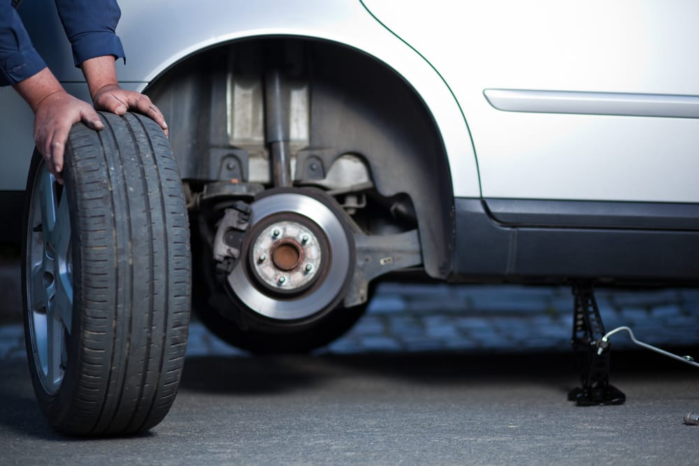 Automobile Accidents & Tires: Pressure, Stopping Distance