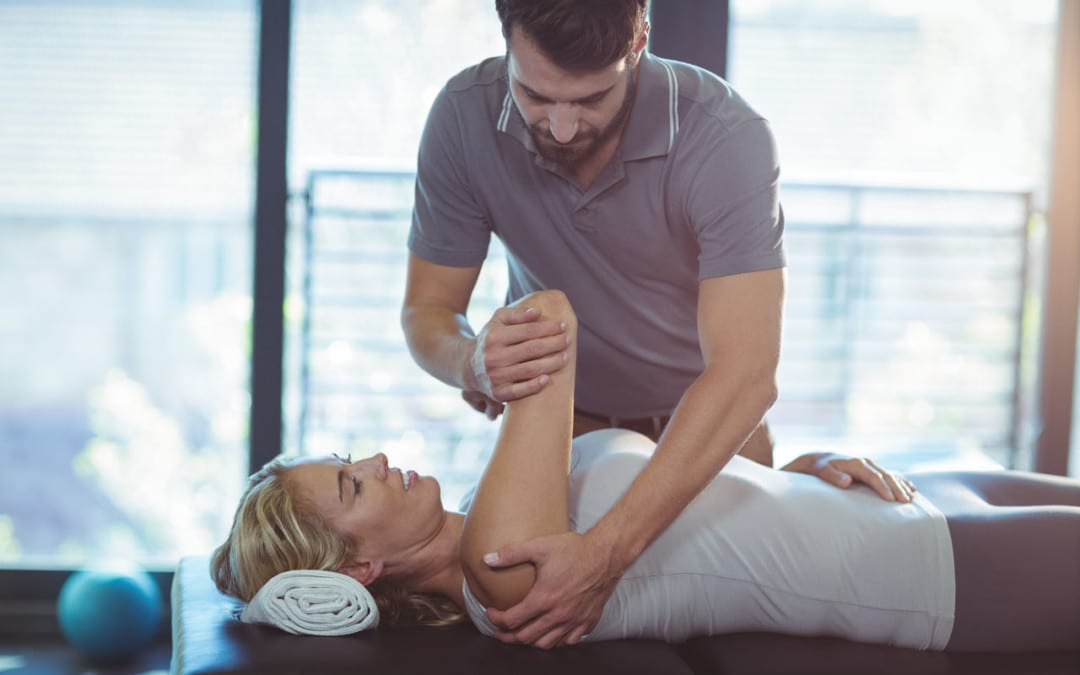 The Shoulder: Pain Symptoms, Causes, and Chiropractic